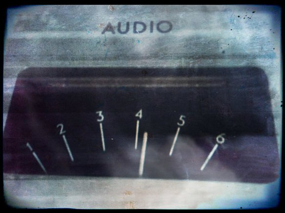 audio-meter-grungy